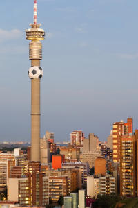 Johannesburg Walking Tour: Carlton Centre Observation Deck and Mai Mai Traditional Healers Market