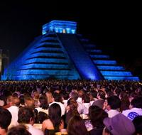 Chichen Itza by Night and Day: Archaeologist-Led Tour, Dinner and Light and Sound Show from Merida