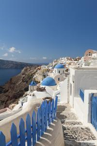 Santorini Shore Excursion: Private Tour with Photo Stops on the Fira to Oia Hiking Trail