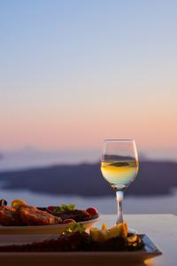 Small-Group Santorini Wine Tasting and Vineyard Tour
