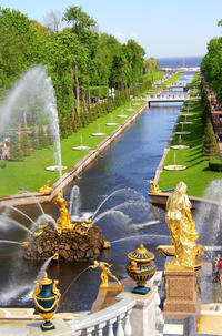 St Petersburg Shore Excursion: 2-Day Early Admission Small Group Tour