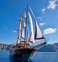 Santorini Sunset Dinner Cruise Including Nea Kameni Visit