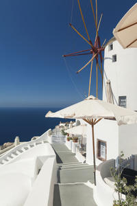 Shared Departure Transfer: Santorini Hotel to Airport or Cruise Port