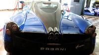 Ferrari, Pagani and Lamborghini Factory Tour from Bologna