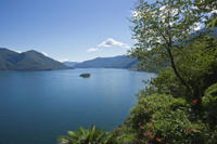Lake Maggiore Day Trip by Train from Milan Including Cruise to Isola Bella