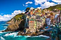 Cinque Terre Wine Tour in Riomaggiore and Hiking Through the Vineyards