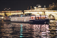 Paris Seine River Cruise with 3-Course Dinner