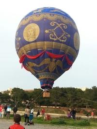 survol-prive-en-montgolfiere-avec-champagne-et-tapas