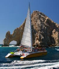 Los Cabos in One Day: Sightseeing Tour, Arch Boat Ride, Tequila Tasting and Lunch