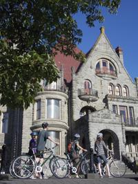 Victoria Castles and Neighborhoods Bike Tour