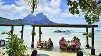 Polynesian Cultural Island Day Tour by 4WD Including Traditional Tahitian Feast on a Private Island