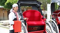 Miyajma Rickshaw Tour Including Itsukushima Shrine