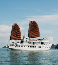 3-Day Luxury Bai Tu Long Bay Cruise on the Dragon Pearl Junk Boat