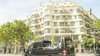 360 Open Top Luxury Minibus Boat Ride and Helicopter Flight or Cable Car Barcelona Premium Small Group