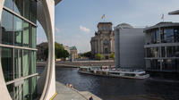 Berlin Highlights Sightseeing Cruise Including Coffee and Cake