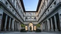 Skip the line Uffizi luxury small group tour and breakfast in the museum
