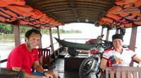 Full-day Ho Chi Minh City Tour: Saigon River cruise, Cu Chi Tunnels, Bike tour