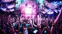 Small-Group Shanghai Nightlife Tour: Acrobatic Show and Nightclub Crawl