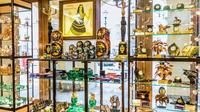 Souvenir Shopping with City Tour of Saint Petersburg