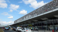 Private transfer: Orly Airport to Paris