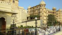Private Tour: Udaipur City Tour with Eklingji and Nagda