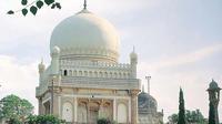 Hyderabad Half-Day Tour: Golconda Fort and Qutub Shahi Tombs