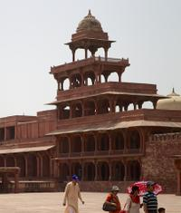 2-Day Independent Taj Mahal Trip with Fatehpur Sikri from Delhi with Private Car