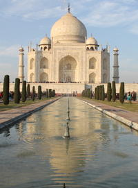 Independent Day Tour of Taj Mahal, Fatehpur Sikri and Agra Fort from Delhi with Private Car