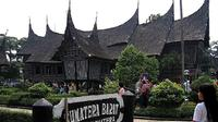 Private Tour: Taman Mini Indonesia Indah And Bird Park From Jakarta