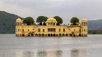 Private Tour of Jaipur with a Traditional Dinner with an Indian Family