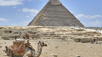 Private Giza Plateau and Pyramids Day Tour