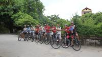 Half-Day Red River Handicraft Villages Bike Tour from Hanoi