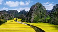 Private Tour: Hoa Lu and Tam Coc Boat and Bike Day Trip from Hanoi