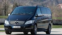 Private Chauffeured Minivan at Your Disposal in London for 4 Hours