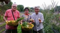 Vietnamese Cooking Class and Cu Chi Tunnels Tour from Ho Chi Minh City