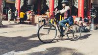 Explore Bangkok's Chinatown by Bicycle