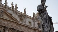 Skip the Line: Vatican Tour including the Sisitine Chapel St Peter's Basilica and Pinacoteca