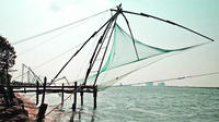 Overnight Private Tour: Romantic Kumarakom and Alleppey Houseboat Tour with Candlelight Dinner