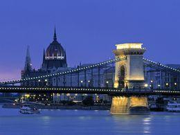 Bridge connecting Buda and Pest - January 2013