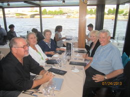 Getting ready to order dinner on the River Thames Dinner Cruise. Jerry and Ginger Leininger (California) with Texas friends Steve, Debbie and Mary Ann. , Jerry L - August 2013