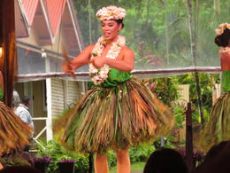 Can't have a hula dancer without a grass skirt... , Carol B - July 2017