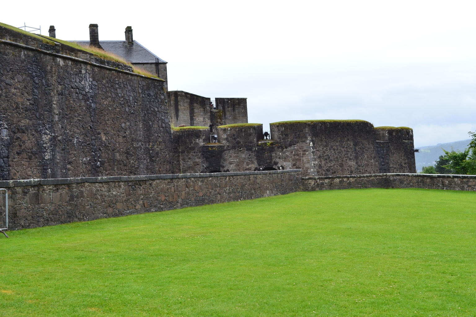 MORE PHOTOS, Rosslyn Chapel, Dunfermline Abbey and Stirling Castle Day Tour from Edinburgh