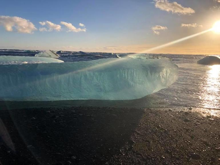 Day Trip to the Glacier Lagoon: Jökulsárlón from Reykjavik