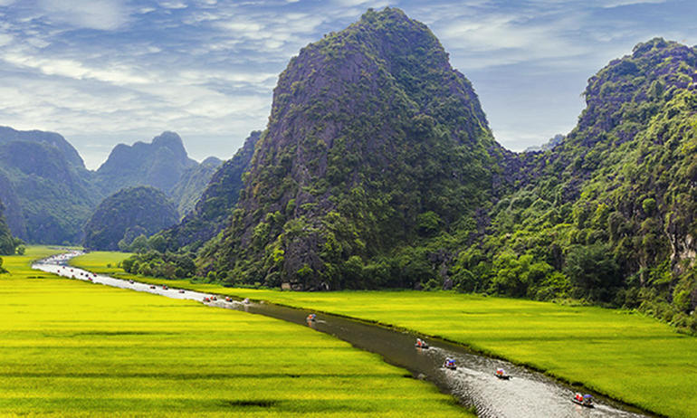 Hoa Lu Tam Coc Full-Day DELUXE Tour Including BUFFET LUNCH & River Boat Ride photo 40