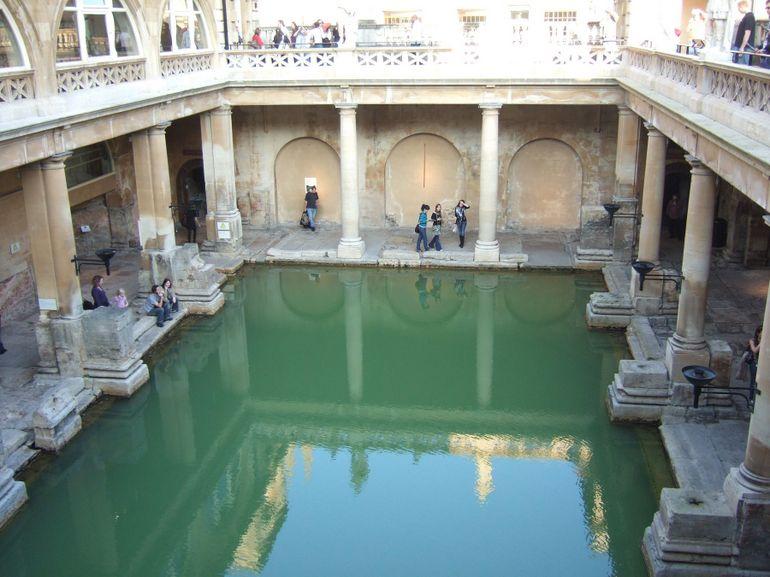 Windsor, Stonehenge and Roman Baths Day Trip - London