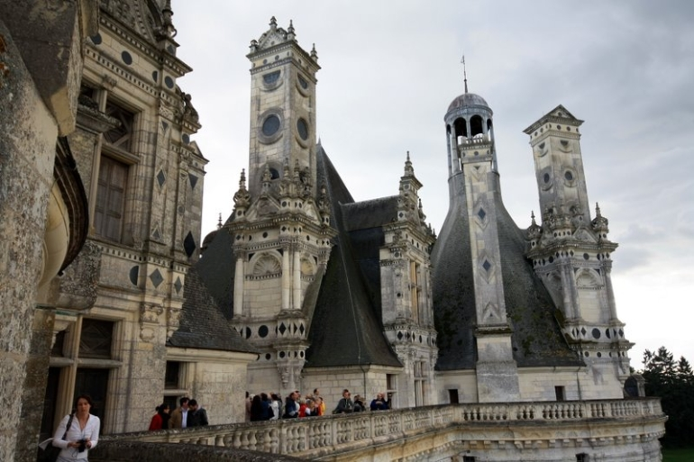 Loire Valley Castles Day Trip: Chambord, Cheverny and Chenonceau - Paris