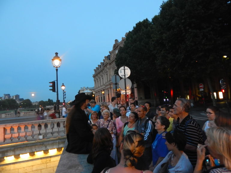 Ghosts, Mysteries and Legends Night Walking Tour of Paris photo 19