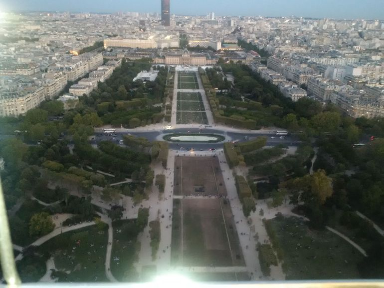 Skip the Line: Small-Group Eiffel Tower Sunset Tour photo 21