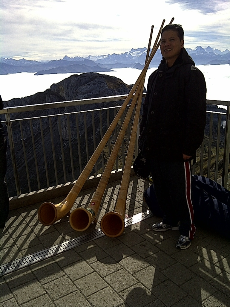 The next alphorn player? - Zurich