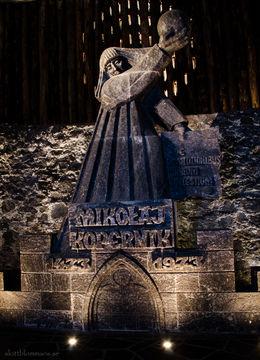 Första statyn efter 380 trappor. , Pamela A - March 2014